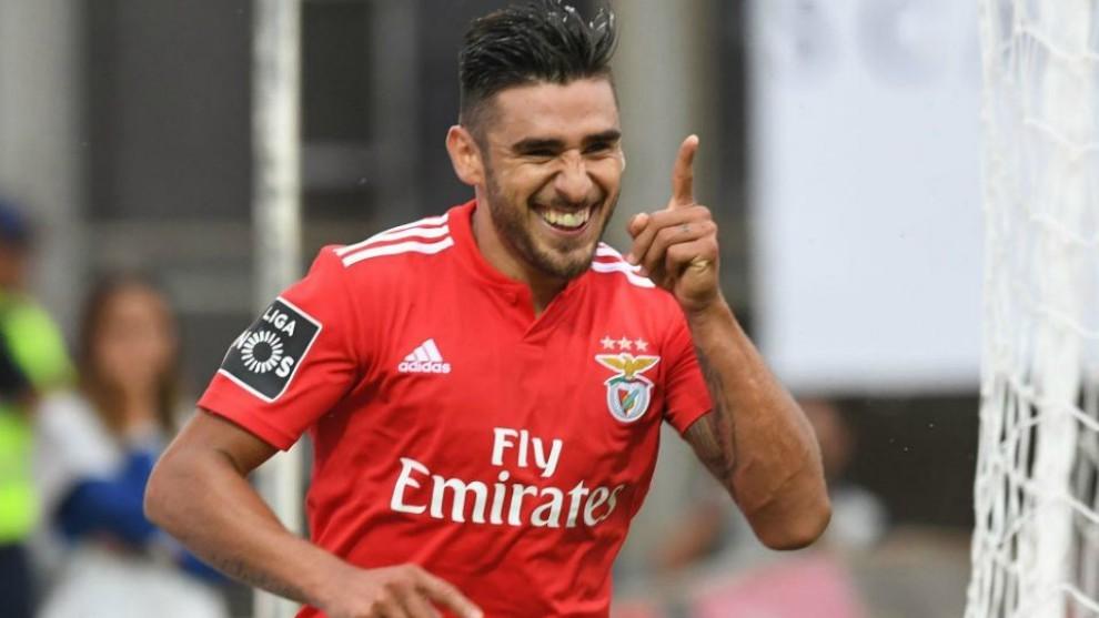 Toto Salvio juega en el Benfica hace ocho temporadas