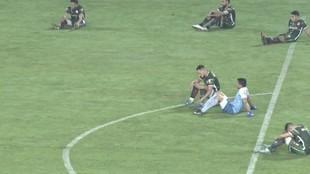 Los jugadores de San Jorge de Tucumán se manifiestan contra el...