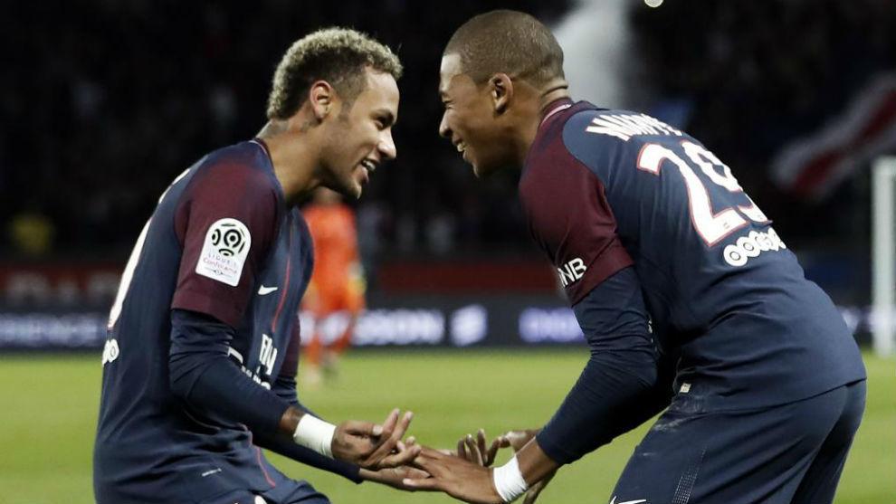 Neymar y Mbappé, durante un partido del PSG.
