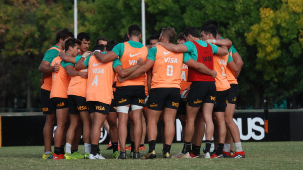 Quesada convocó a 28 jugadores para la final del Super Rugby