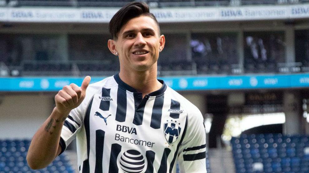 Adam Bareiro deja al Monterrey para irse a Argentina