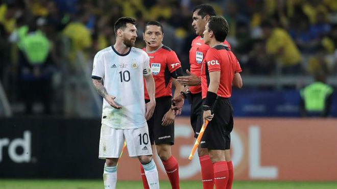 Lionel Messi, duro con el arbitraje de Roddy Zambrano y sus...