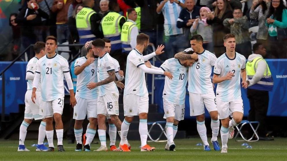 Argentina venció a Chile 2-1 con goles de Agüero y Dybala