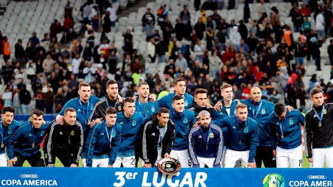 Leo Messi, en protesta, no va a la entrega de la medalla de bronce