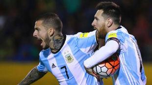 Benedetto bancó a Leo Messi