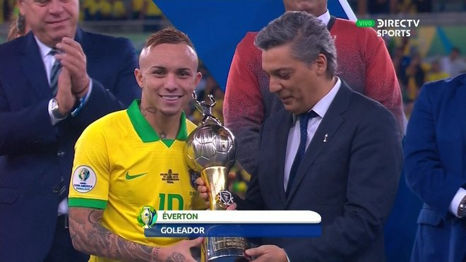 Everton, delantero de Gremio y máximo goleador de la Copa América.