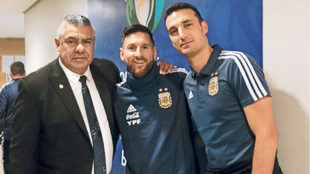 Presidente, capitán y técnico, juntos.