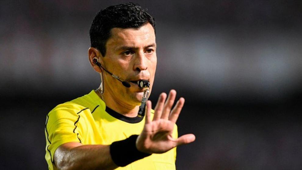 Tobar dirigió la final entre Brasil y Perú