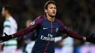 Neymar celebra un gol con el PSG.