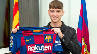 Louie Barry, el juvenil de 16 años que ficha el Barça procedente del...