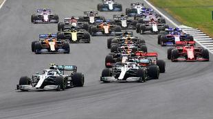 Lewis Hamilton gana en una carrera épica