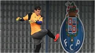 Iker Casillas, en un entrenamiento del Porto.
