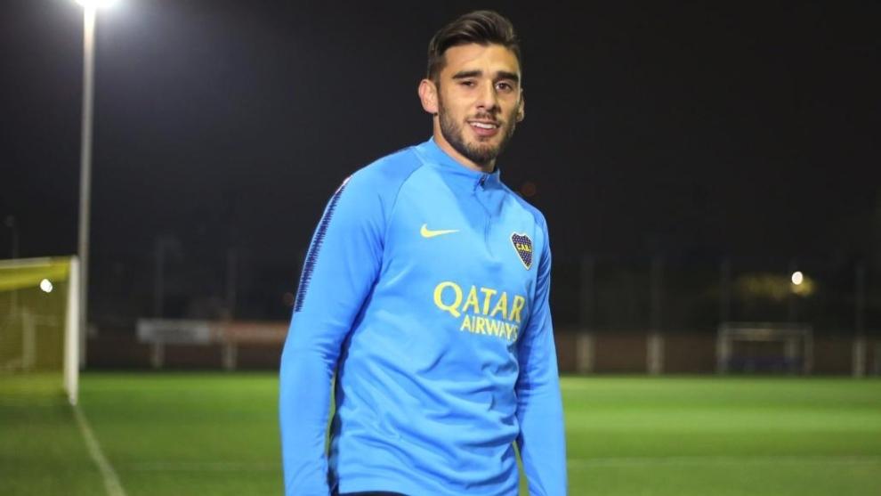 Toto Salvio durante su primer entrenamiento en Boca