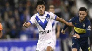 Thiago Almada jugó un gran partido ante Boca