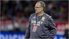Marcelo Bielsa, técnico del Leeds United, cumple 64 años.