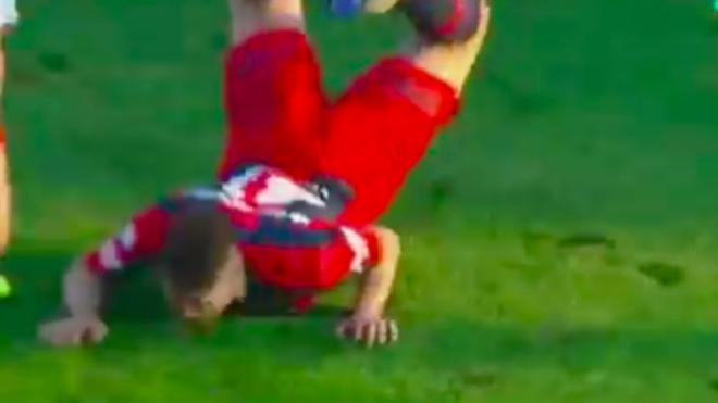 Gianluca Ferrari y su caída.