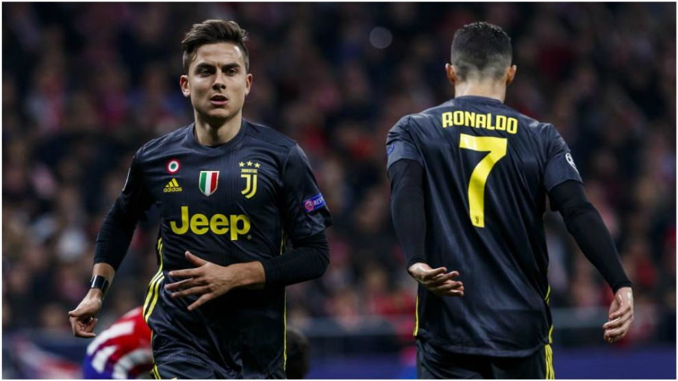 Dybala, con Cristiano Ronaldo en un partido de la Juventus.