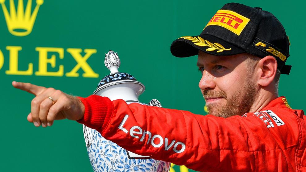 Sebastian Vettel, en el podio de Hungaroring.