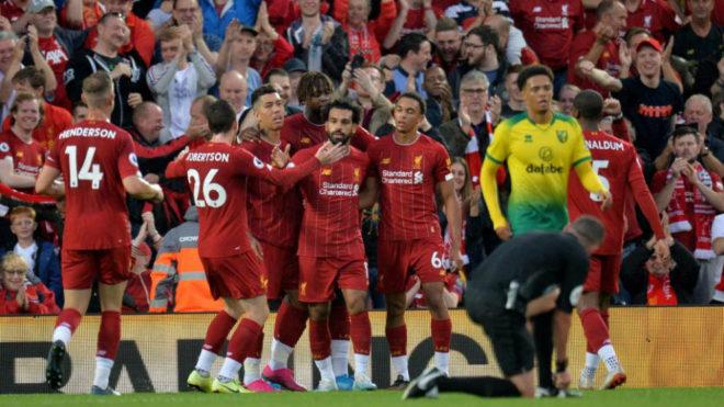 El Liverpool celebra uno de sus goles en el inicio de la Premier.
