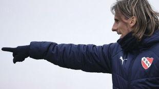 Beccacece tiene una duda para la vuelta ante Independiente del Valle