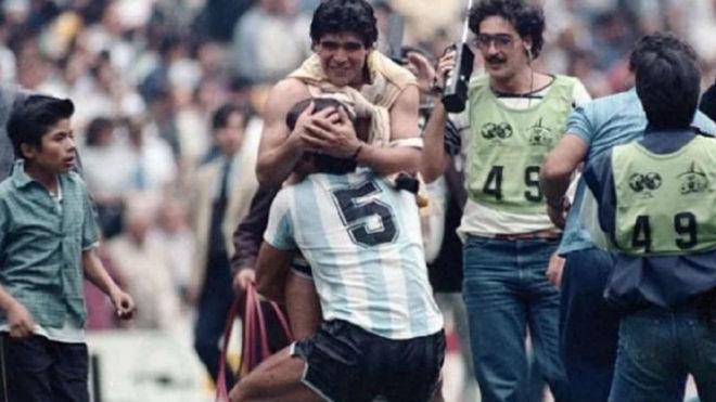 Maradona despidió al Tata Brown.
