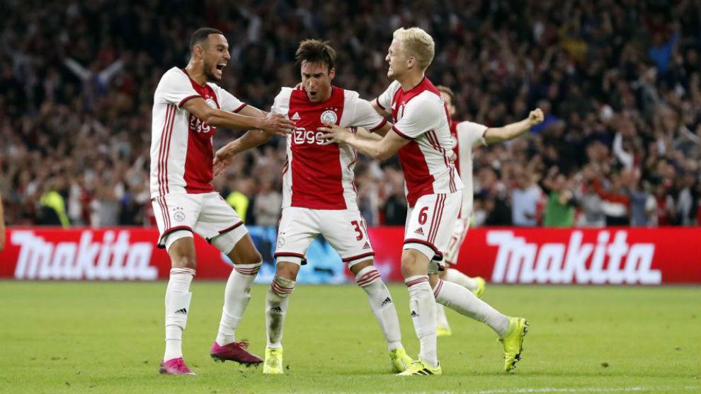 Celebración de uno de los goles del Ajax.