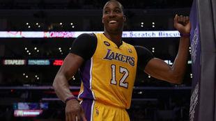 Los Lakers buscan sustituto para DeMarcus Cousins... ¡y apuntan a...