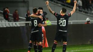Estudiantes golea y le da otro duro golpe a Independiente