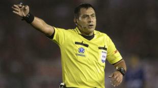 Julio Bascuñan será el árbitro de Cerro Porteño vs River