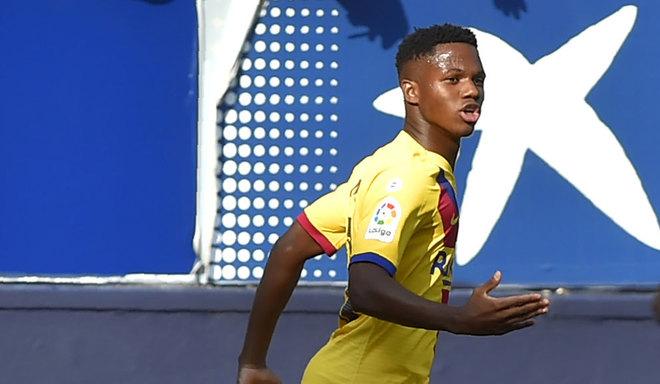 Ansu Fati festeja su gol ante Osasuna en El sadar.