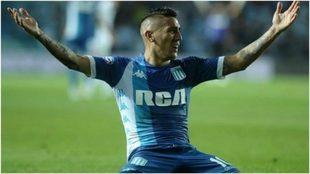 Ricardo Centurión, en un partido durante su etapa como jugador de...