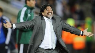 La Conmebol le envió un mensaje a Maradona