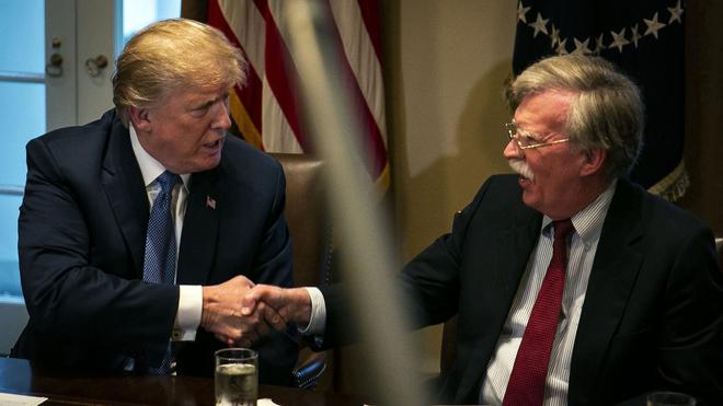 Donald Trump despide a John Bolton, su asesor de Seguridad Nacional