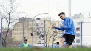 Mauro Zárate volvió a entrenar a la par de sus compañeros