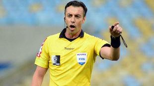 Raphael Claus, el árbitro para el primer Superclásico