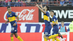 Lisandro López marcó el primero de Boca