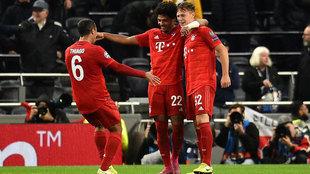 Gnabry celebra uno de sus goles al Tottenham