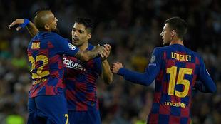 Doblete de Luis Suárez para salvar al Barcelona