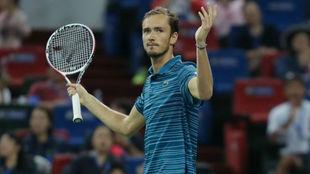 Medvedev gana en Shanghai su cuarto título del año