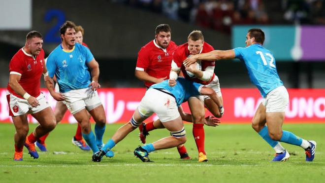 Uruguay cae ante Gales pero gana crédito