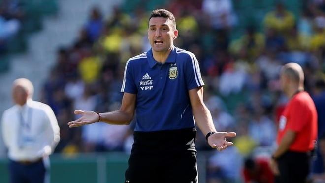 La discusión entre Lautaro Martínez y Paredes por patear el penal