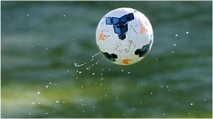 Un estudio acredita que los futbolistas son tres veces más propensos...