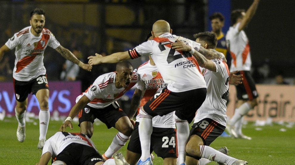 El festejo de los jugadores en La Bombonera