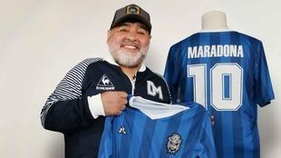 Gimnasia lanza una colección homenaje a Diego Maradona: ¡59...