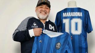 Gimnasia lanza una camiseta por el cumpleaños de Diego Maradona