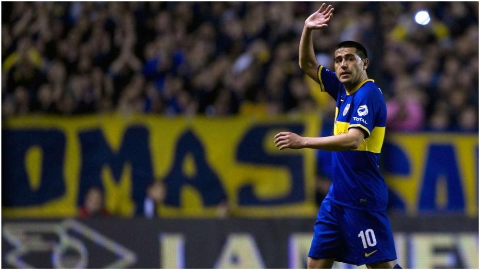 Juan Román Riquelme defendiendo la camiseta de Boca.