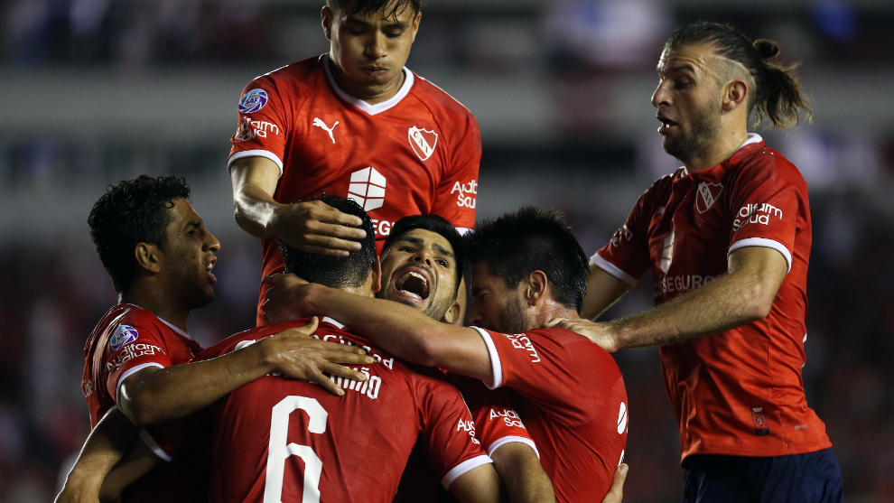 Independiente celebra el triunfo en Avellaneda