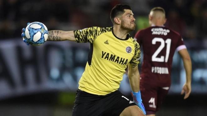 ¿Agustín Rossi vuelve a Boca?