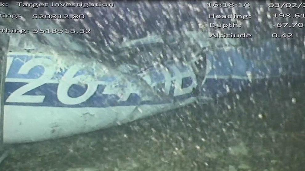 Desapareció del agua el avión que llevaba a Emiliano Sala — Escándalo