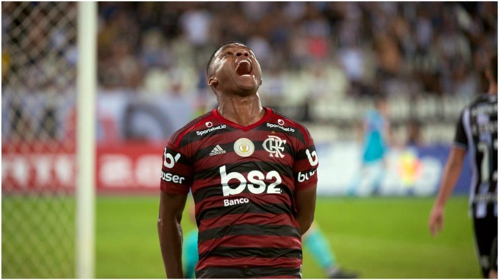 Lincoln celebra el gol de la victoria ante Botafogo.